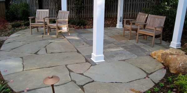 Patio with both random flagstone and Flagstone in North Arlington.