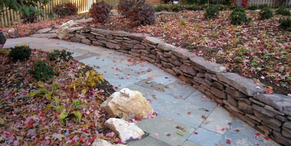 Prepare Your Yard With These Simple Fall Lawn Maintenance Tips