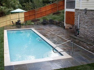 Flagstone patio in North Arlington