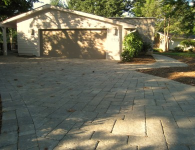 Paver driveway in Reston.