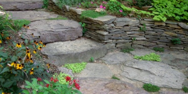 Fieldstone steps and wall in Reston.