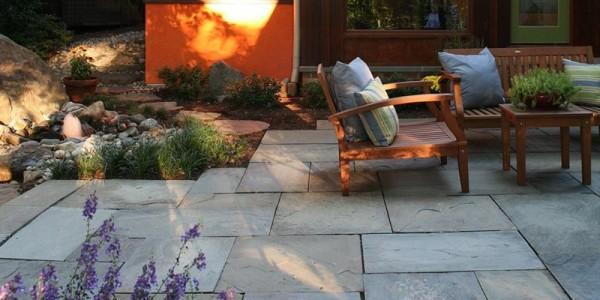 Flagstone patio in North Arlington.