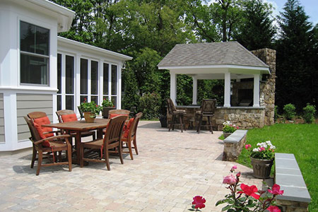 View our projects of larger landscaping work containing multiple photos and write-ups of work performed.
