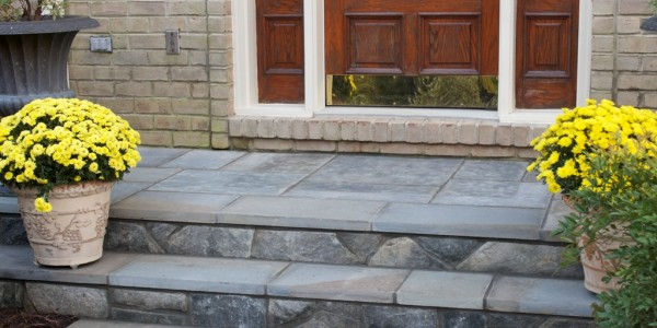 Flagstone steps with building stone risers in McLean.