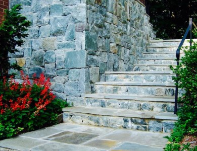 Landscaper-Flagstone Walls & Step Design in Falls Church, VA