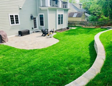 Landscape Retaining Wall and Patio in McLean, VA