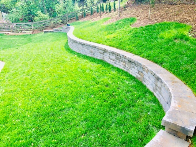 Permeable retaining wall